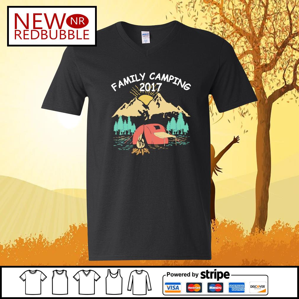 Family camping 2017 s V-neck-T-shirt