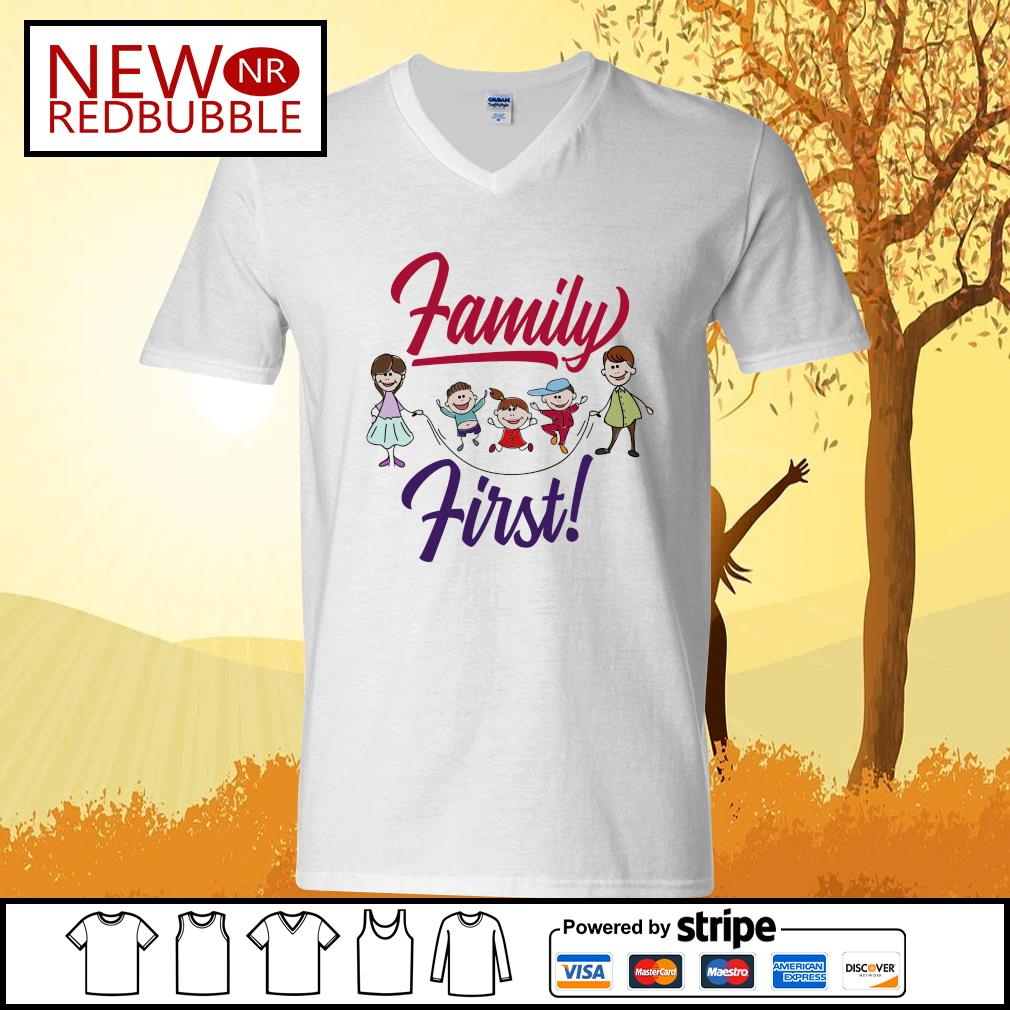 Official Family first s V-neck-T-shirt